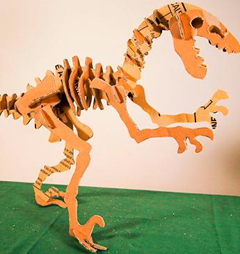 Aprenda a fazer um dinossauro de papelão