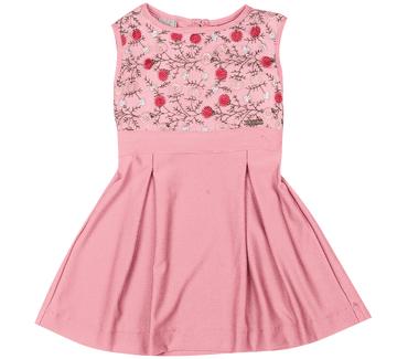 Vestido-catavento-flores-bordada-no-tule
