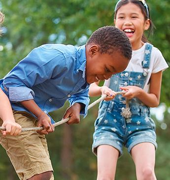 Brincadeiras para fazer em casa com as crianças nas férias de julho